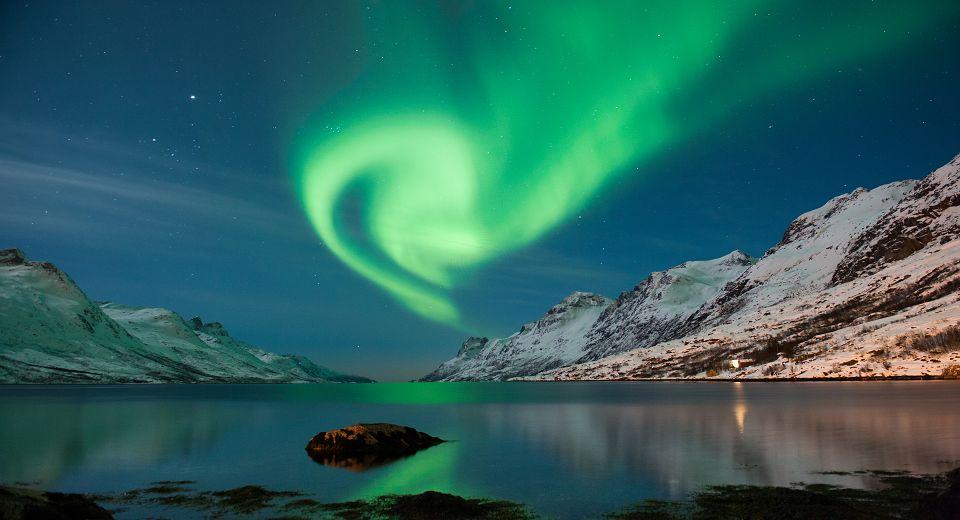 极光船冰岛图片